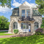 22296180 - view of the facade of a fabulous mansion